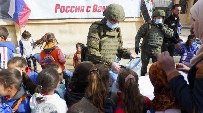 الاحتلال الروسي يفتتح مدرسة لتعليم اللغة الروسية شرق ديرالزور.