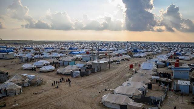 """قتلى وجرحى في استهداف خيمة بمخيم """"الهول"""" شرق الحسكة."""